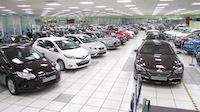 Centro de ventas con mas de 300 coches en calle Embajadores