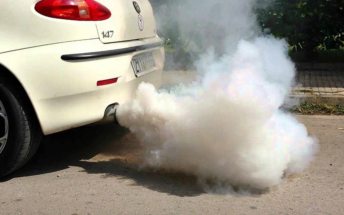 Vigilar los humos de escape