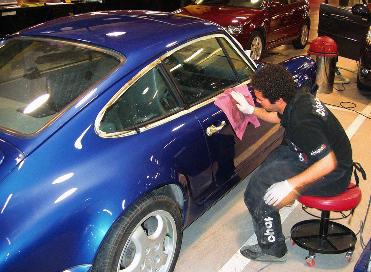 Cómo encerar el coche