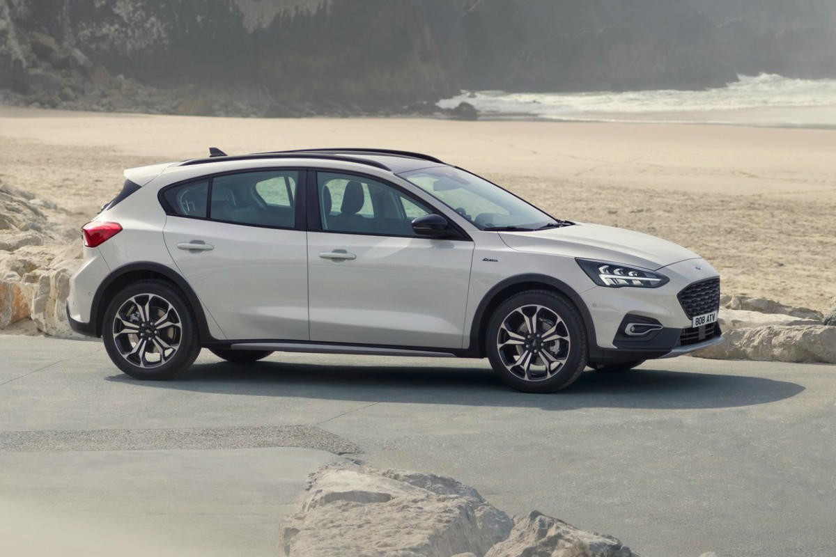 Ford-Focus_Active-2019-1280-04