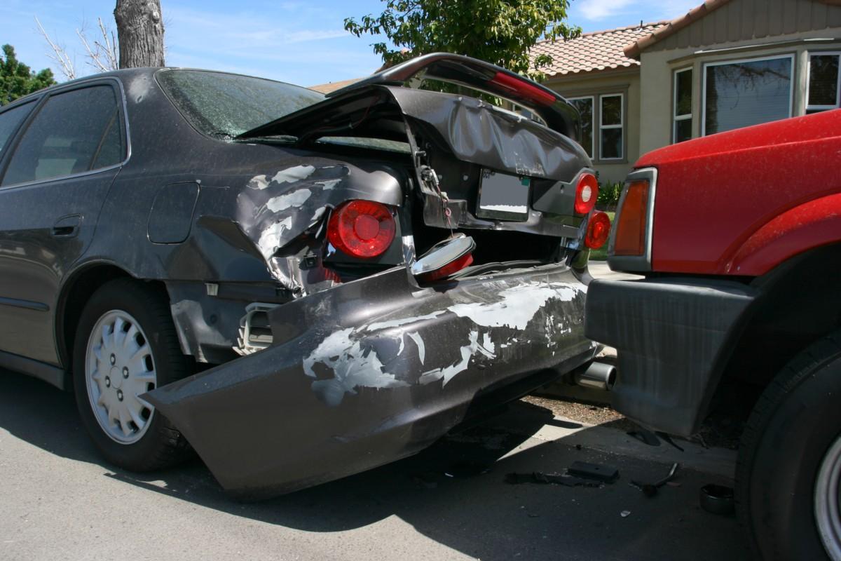 que-hacer-accidente-coche-sin-seguro (1)