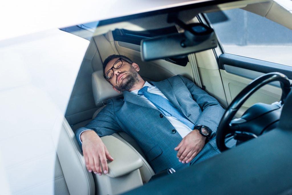 dormir-en-el-coche