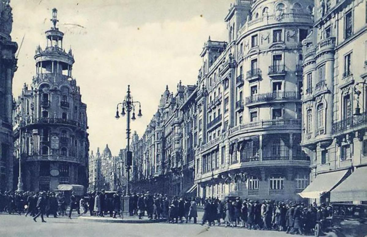 El primer semáforo que se instaló en España, fue en Madrid.