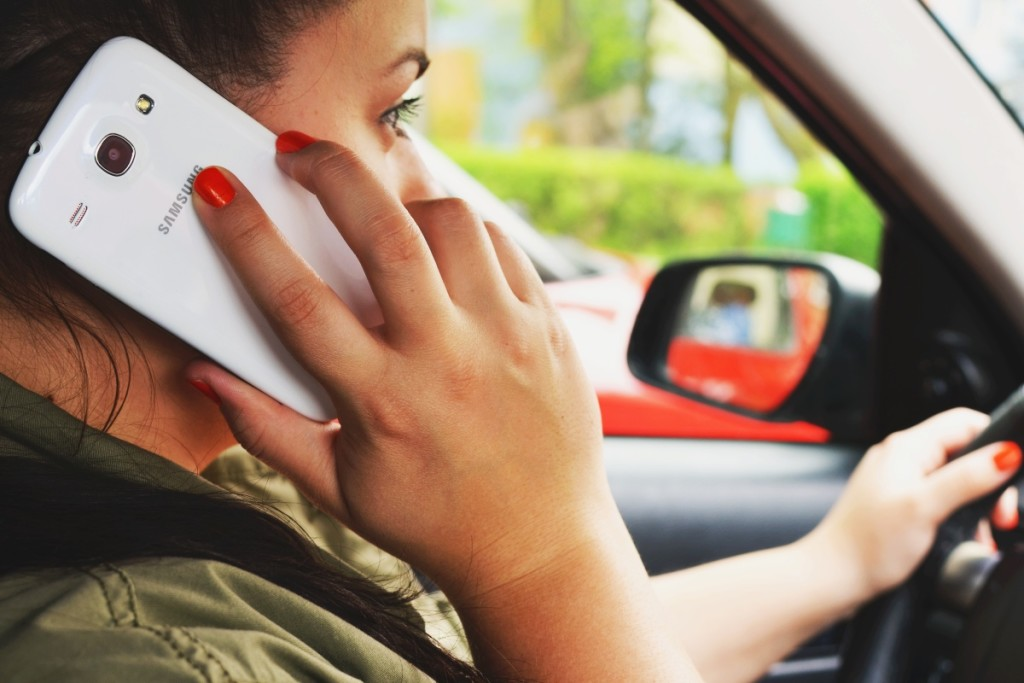 Teléfono al volante