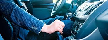 Conducir usando el punto muerto